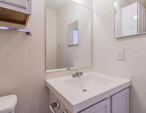 Uploaded image bathroom-3.jpg